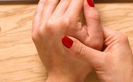 Болять суглоби пальців рук: причини і лікування, при згинанні, народні засоби