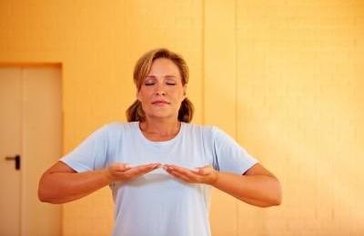 Дихальна гімнастика при астмі: користь і протипоказання