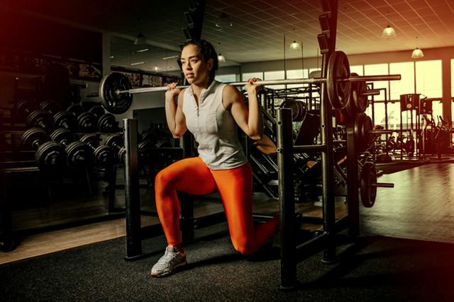Як прибрати вушка на стегнах: кращі вправи в домашніх умовах