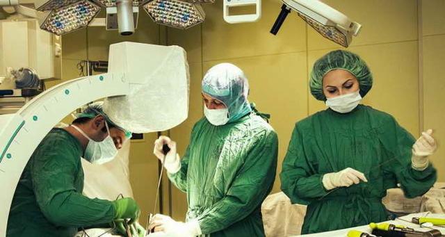 Ком в горлі при остеохондрозі шийного відділу, болі, лікування