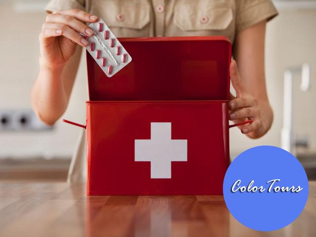 Аптечка мандрівника: список необхідних препаратів