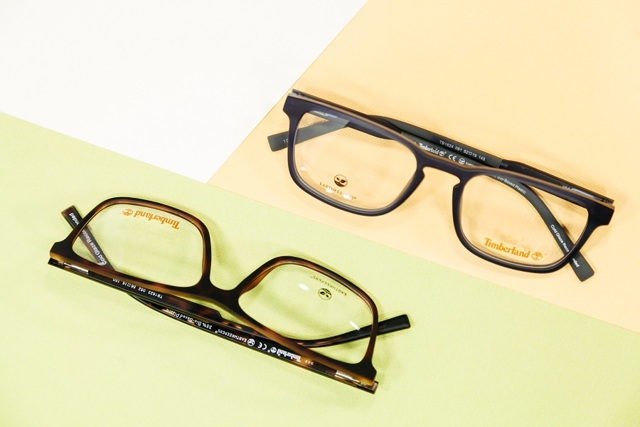 Мультифокальні контактні лінзи: відгуки, плюси і мінуси, як підібрати