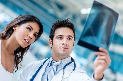 Причини і способи усунення рідини в легенях