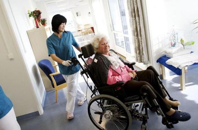 Як оформити довіреність на отримання пенсії лежачому хворому?