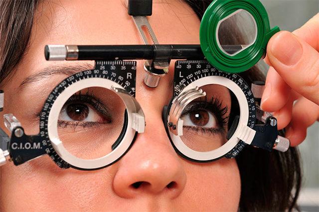 Окуляри при астигматизмі: правила підбору для дорослих, характеристики