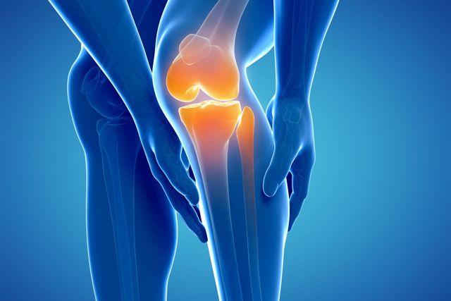 Забій коліна (при падінні): симптоми, перша допомога, лікування, в домашніх умовах