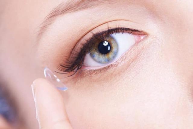 М'які контактні лінзи: з чого виготовляють, різновиди, правила носіння