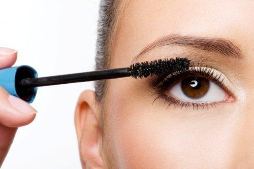 Гіпоалергенна косметика для очей, декоративні антиалергенні засоби
