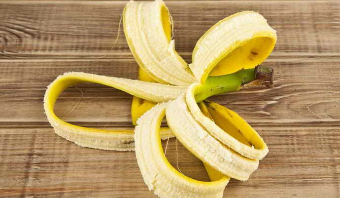 бананова шкірка і карієс