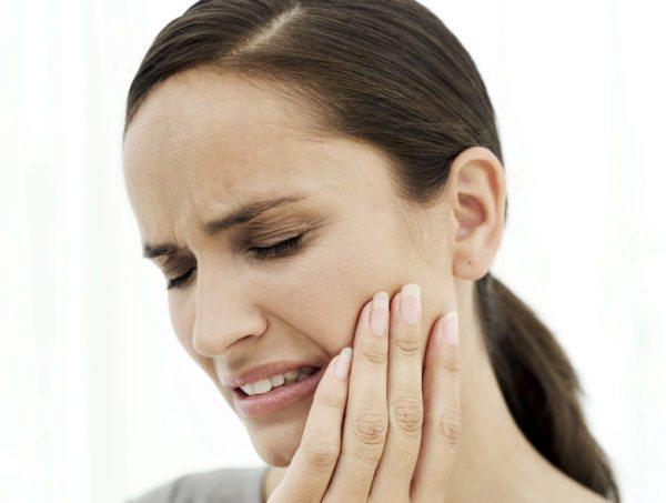 Болить зуб після чистки каналів
