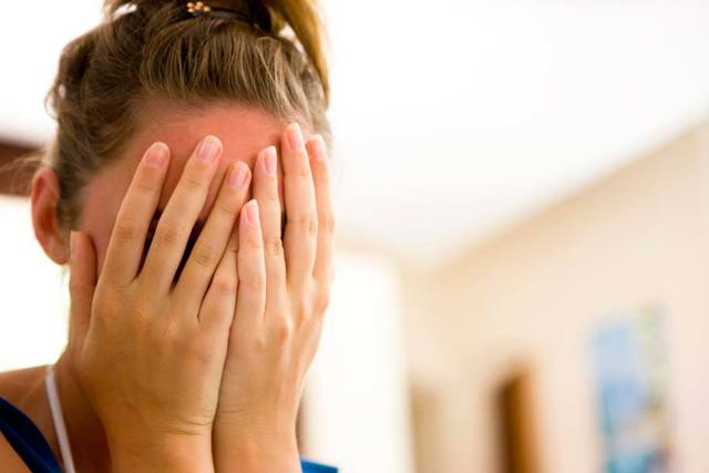 Очна мігрень: симптоми, лікування, причини та профілактика