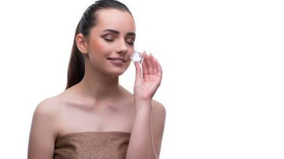 Домашня кріотерапія для видалення мішків під очима