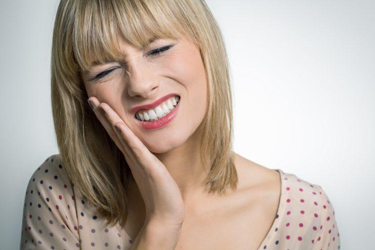 Якщо розболівся зуб як зняти біль