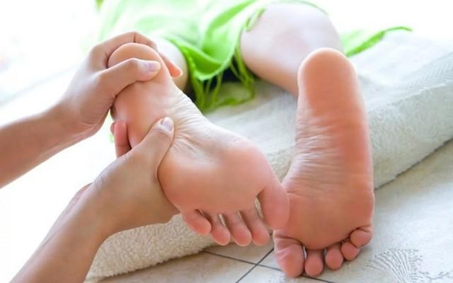 Бурсит великого пальця стопи: причини, симптоми, лікування в домашніх умовах