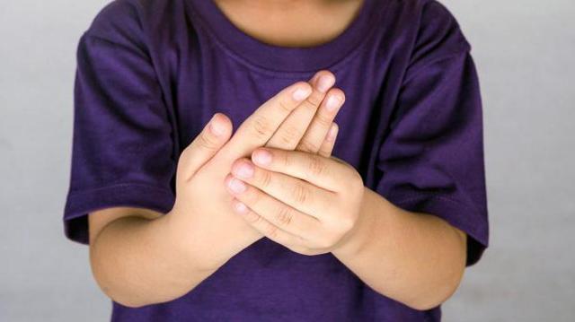 Ревматоїдний артрит у дітей: причини, симптоми, діагностика та лікування