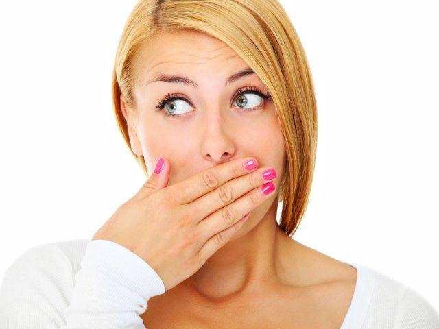 Як позбутися від запаху цибулі з рота