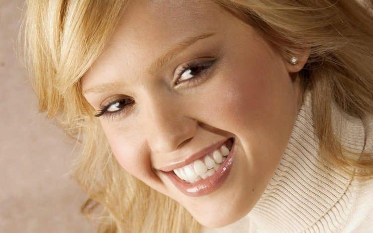 як навчитися красиво посміхатися