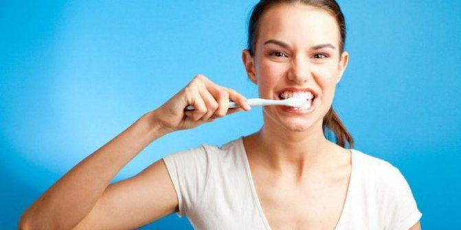 Як видалити чорний карієс з зубів
