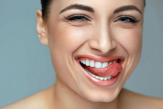 Як вирівняти зуби в домашніх умовах і виправити прикус?