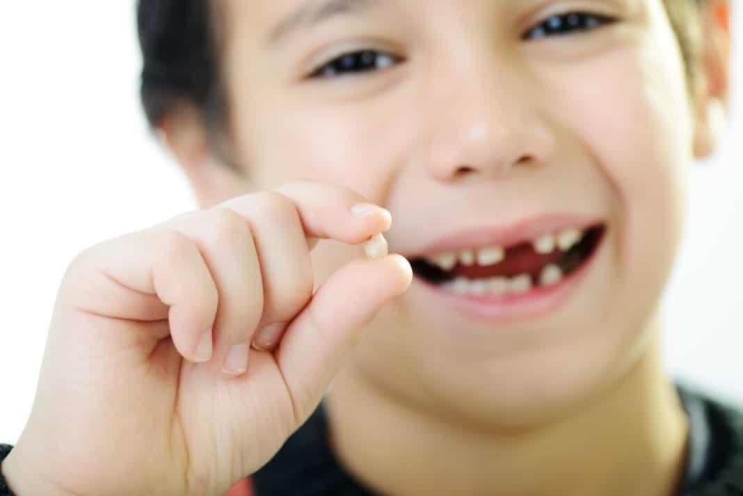 Як вирвати зуб в домашніх умовах, рекомендації про те як вирвати молочні та корінні зуби