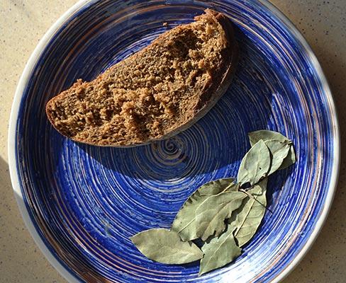 Лавровий лист і хліб для волосся