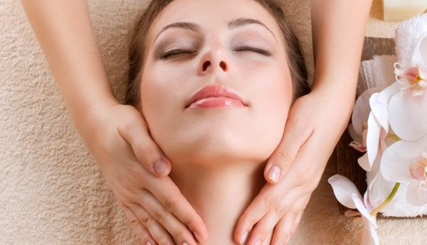 Лікувальний масаж по Жаке особи. Що це таке, техніка виконання, показання та протипоказання