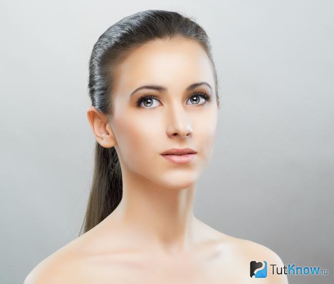 Обличчя дівчини після застосування філерів