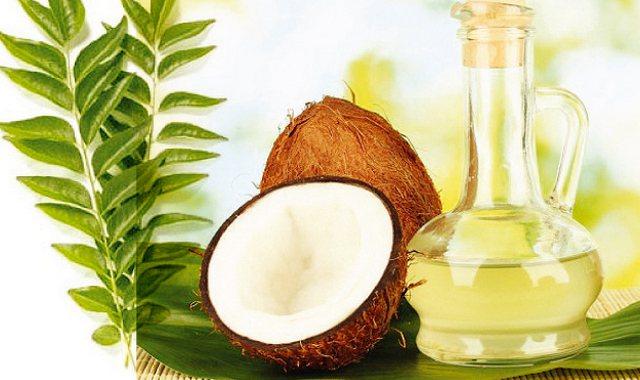 Листя карі і кокосове масло
