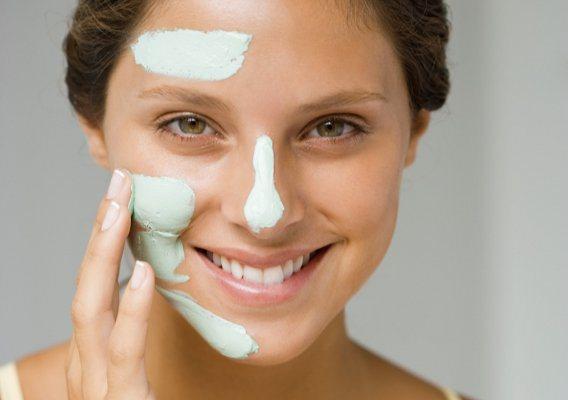 Краще використовувати окремі креми для різних ділянок комбінованої шкіри