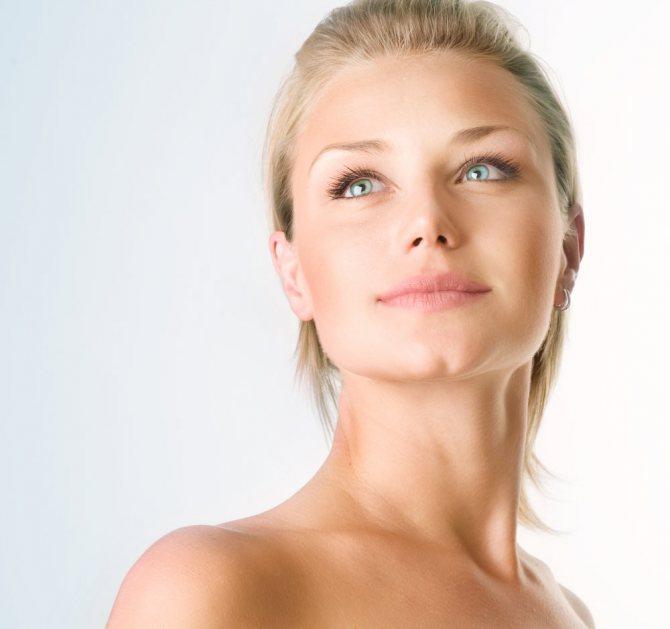 Маска «Deep Detoxifying Mask» проникаючи глибоко в шкіру, очищає її від жирових надлишків, токсинів і забруднень