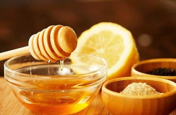 Маска для обличчя мед, лимон і кунжут
