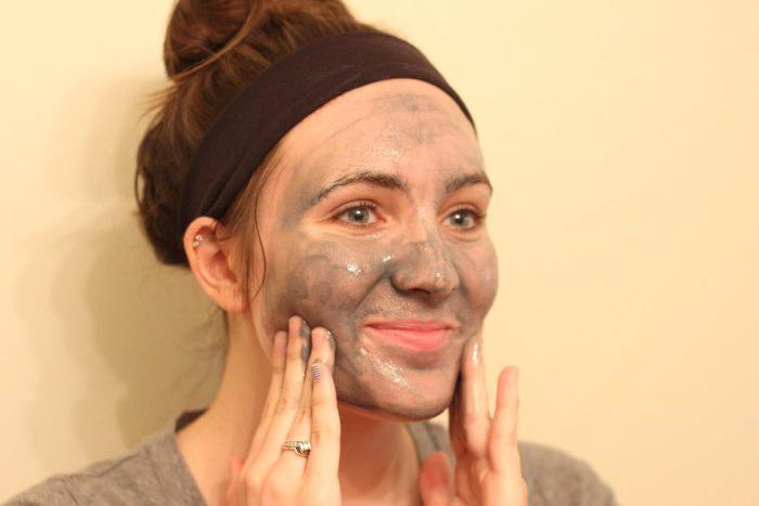 маска для обличчя желатин і вугілля активоване