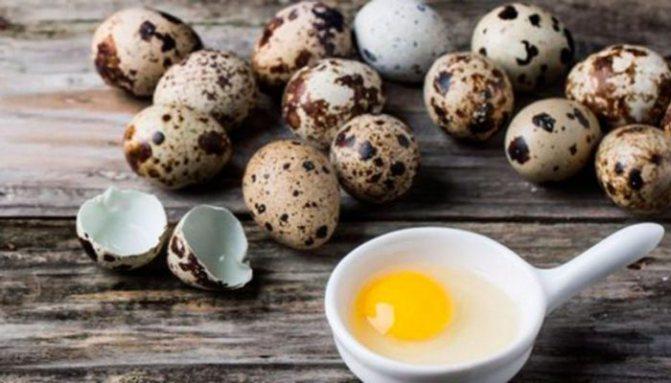Маска для волосся і обличчя з перепелиних яєць