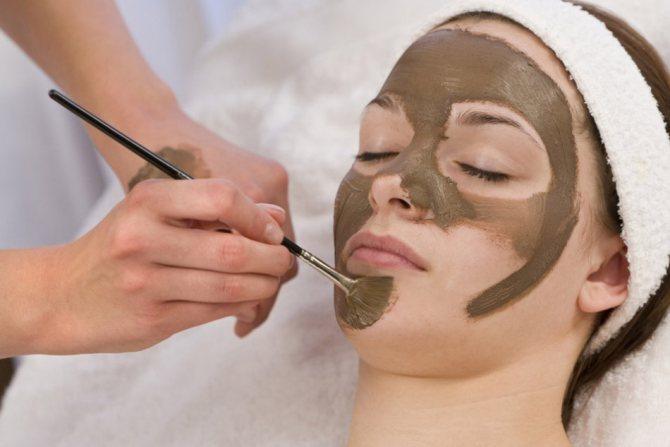Маска-з-шоколаду-для-нормальної-і-сухий-шкіри-особи
