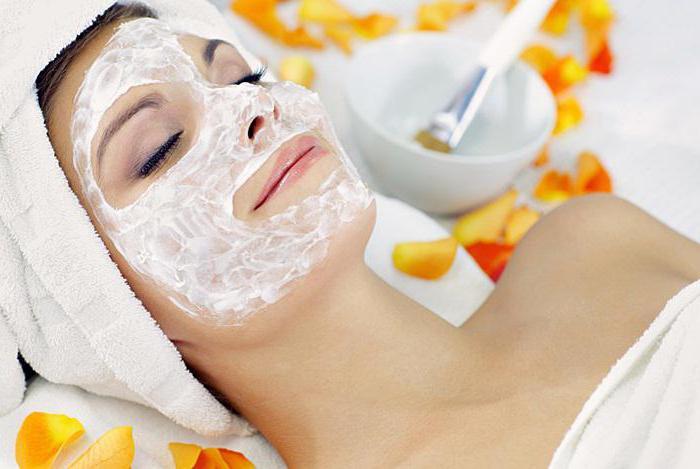 маска із сиру і банана для обличчя