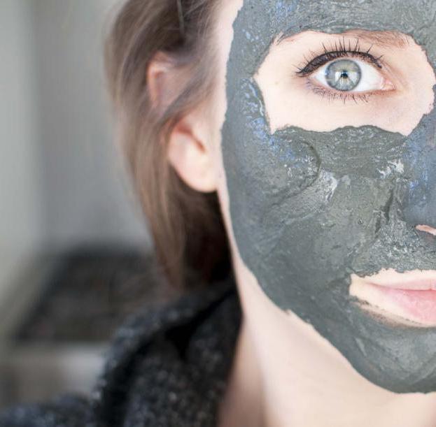 маска від чорних крапок желатин активоване вугілля