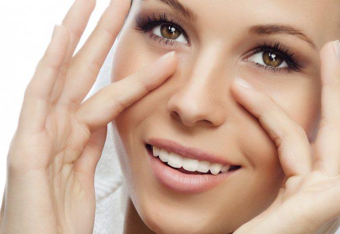 Маски для пружності шкіри обличчя, приготовані самостійно з натуральних продуктів - вірний і доступний спосіб відновлення втраченої краси і молодості
