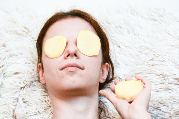 maski iz kartofelya - Картопляна маска для очей від темних кіл