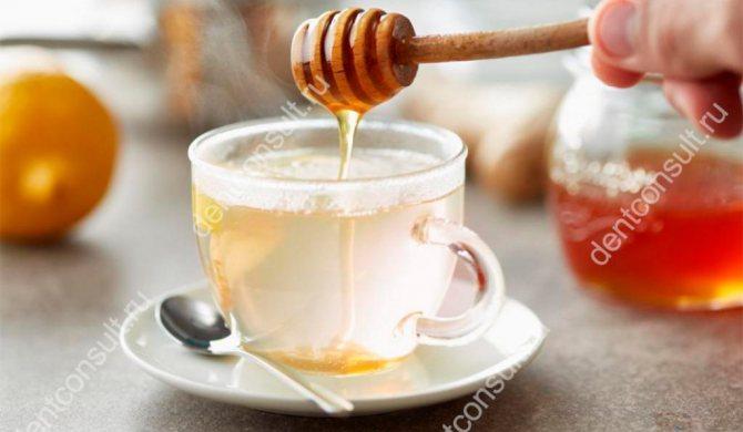 мед з водою