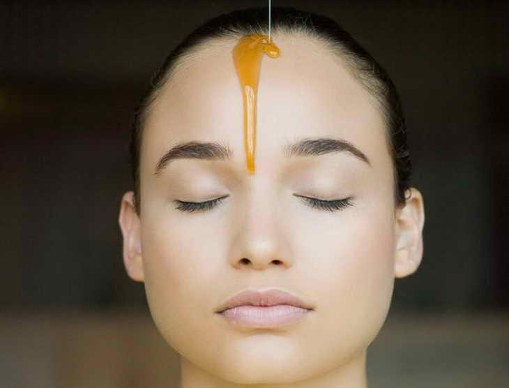 медовий масаж обличчя техніка