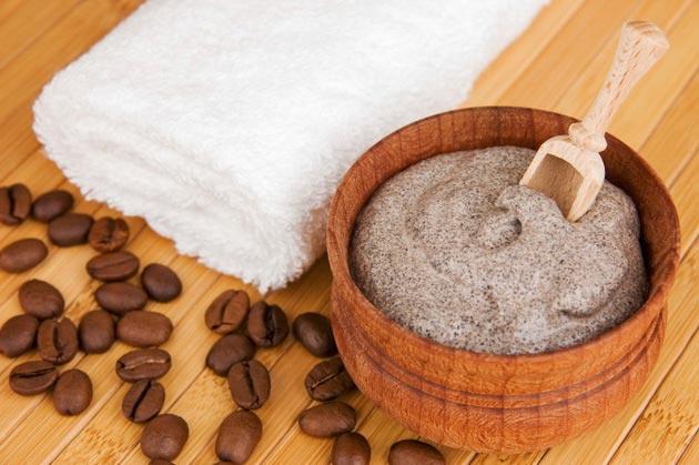 обгортання від целюліту з кавою