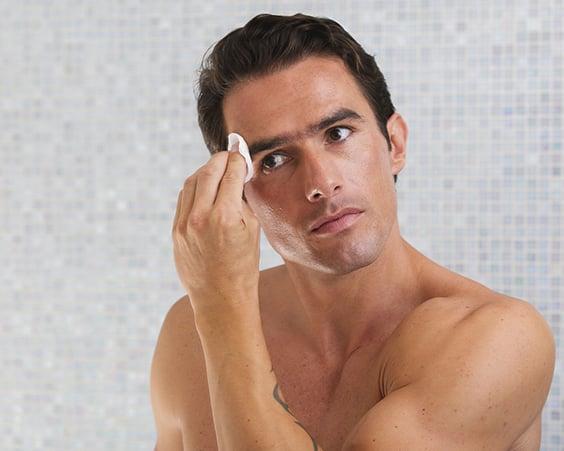 Обезжирюючих пілінг для чоловіків