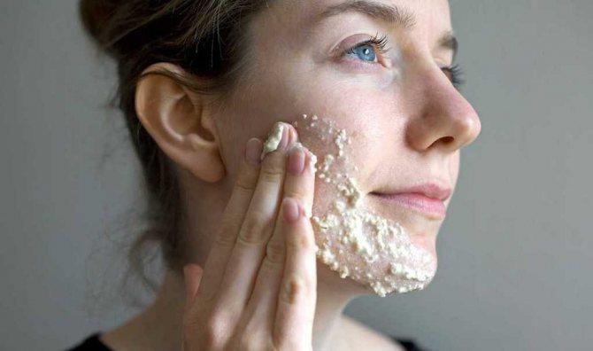 Омолоджуюча маска з вівсянкою і бурштинової кислотою від зморшок