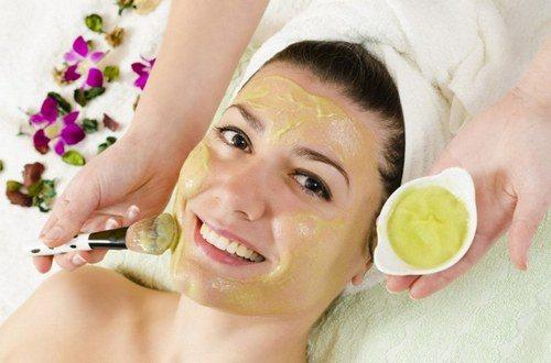 омолоджуючі маски для обличчя в домашніх умовах після 35