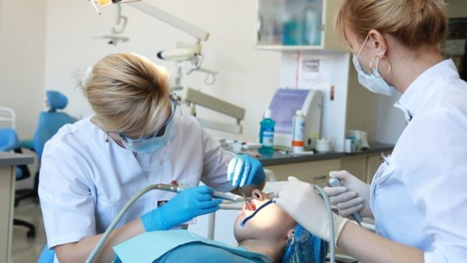 Чи небезпечна зубна анестезія при грудному вигодовуванні?