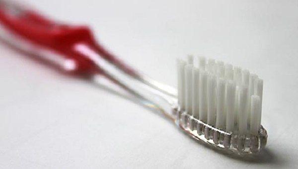 опис зубної щітки Oral-B Ortho
