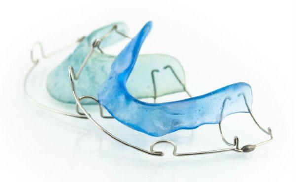 Ортодонтична пластина для виправлення прикусу