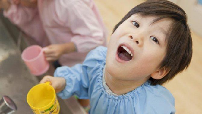 Особливості полоскання у дитини