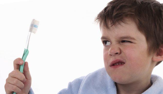 Погана гігієна порожнини рота призводить до карієсу молочних зубів