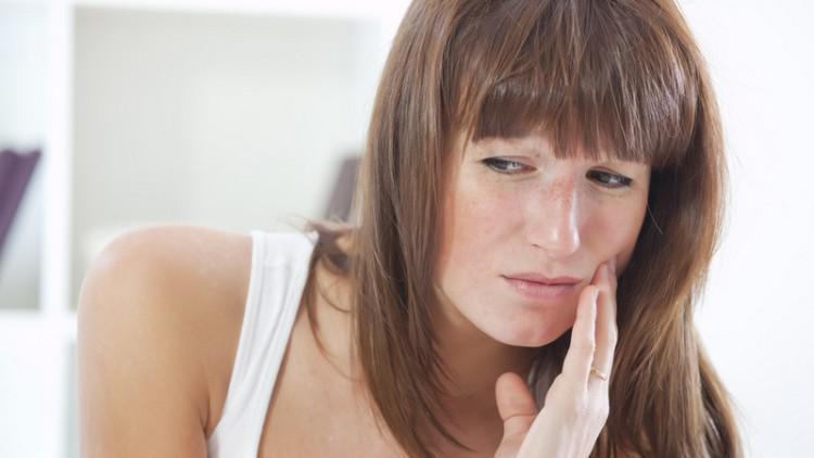 Чому болять зуби при застуді - Що робити якщо ломить зуби при нежиті